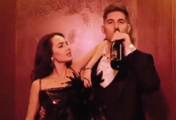 """Жена Остапчука засветила пьющего ведущего, валяющимся на полу с бутылкой: """"Вечеринка года"""""""