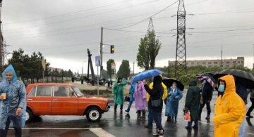 Новий бунт спалахнув під Одесою, люди в розпачі перекрили дорогу, відео: висунуто умову