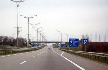 """Водителей предупредили об опасности на трассе Одесса-Киев: """"Уже с  29 сентбря..."""""""