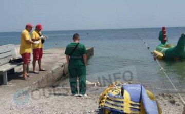 """""""Півгодини тому її бачили живою на березі"""": трагедія на пляжі в Одесі, фото"""