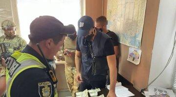 """""""Вимагали гроші за виїзд"""": поліцейські влаштували вимагання у водіїв"""