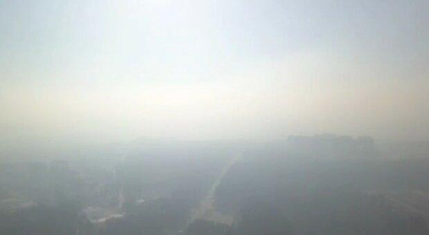 Уровень загрязнения воздуха бьет рекорды в Киеве и области: тревожные данные и кадры