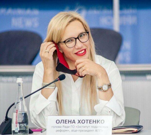 Олена Хотенко про те, чи повернуться учні у школи і що робити з дистанційною освітою