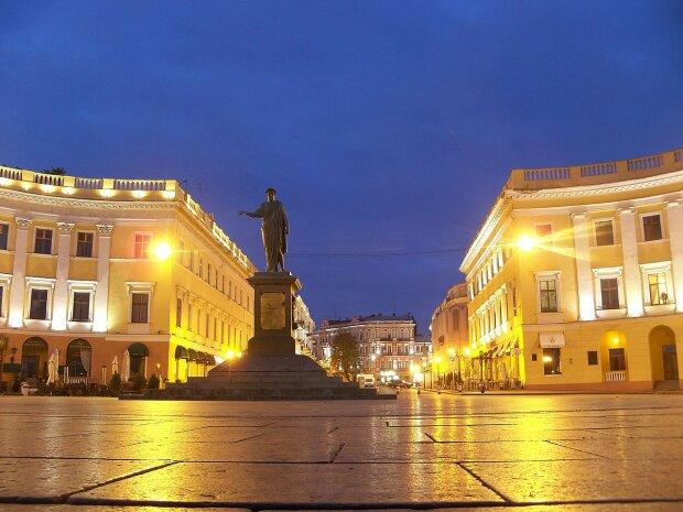 Памятник_Дюку_де_Ришелье_в_Одессе