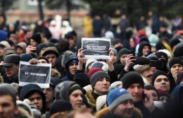 Ужас в Кемерове: трупы детей исчезли из моргов, на кладбищах вырыты сотни могил, в центр города стянули силовиков