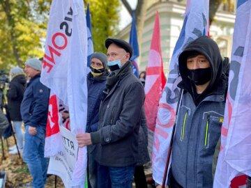 Журналисты закрытых украинских СМИ провели масштабную акцию чтобы привлечь внимание гостей саммита Украина - ЕС к нарушению свободы слова в Украине