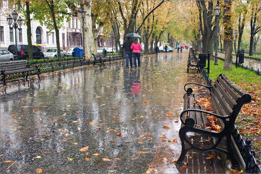 Дожди и шторм обрушатся на Одессу: синоптики предупредили об ухудшении погоды на выходные
