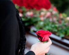 cvety-na-kladbishe