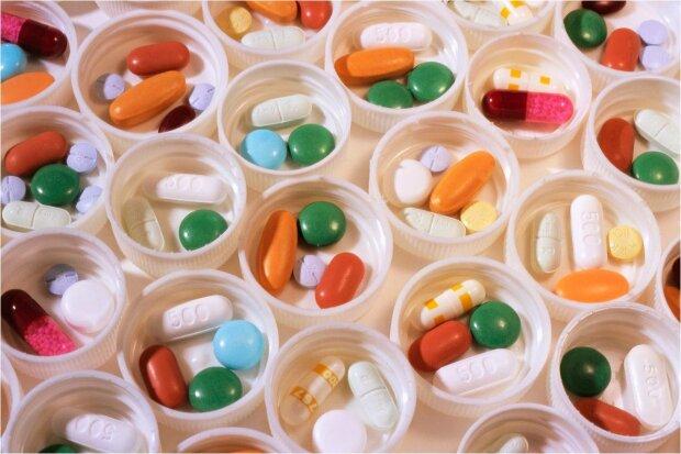 »Можно попращаться с жизнью»: ученые ошеломили правдой о популярных витаминах
