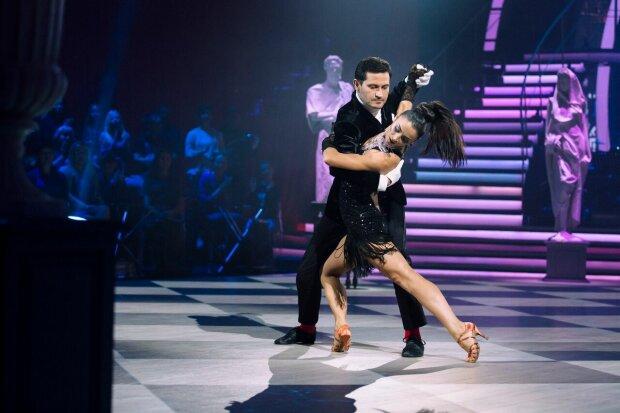 Скандал гримить на «Танці з зірками»: Полякова влаштувала рознос, підтримала коханця
