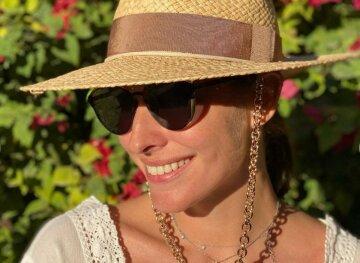 «Беременная» Осадчая показала фигуру в купальнике на солнечном курорте: как звезда отдыхает без Горбунова