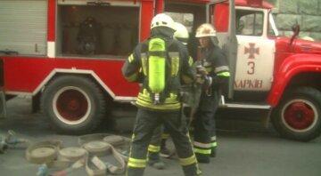 Пожежі спалахують по Харкову та області, рятувальники ледь встигають гасити: подробиці НП