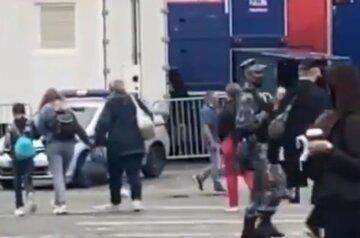"""Стрельба прогремела на Красной площади в Москве: """"Выстрелил в голову"""", первые кадры"""