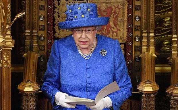 Єлизавета II здивувала вбранням: використані наймодніші кольори 2019 року, фото