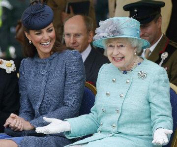 Кейт Миддлтон, королева Елизавета ІІ