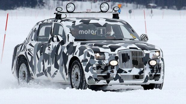 upload-mysterious-limousine-prototype-spy-photo-pic4_zoom-1500×1500-5445