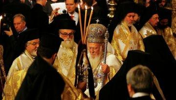Скандал разгорелся вокруг первого богослужения Вселенского патриархата в Киеве: «Молились по-русски»