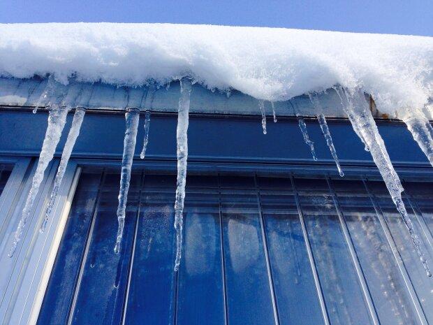 снег, крыша