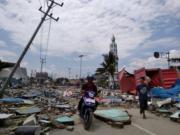 Цунамі в Індонезії: міста зруйновані, кількість жертв стрімко зростає, моторошні фото наслідків