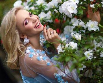 Раскрывшая свой диагноз Лилия Ребрик показала, какой была 20 лет назад, красотку не узнать: еще не блондинка