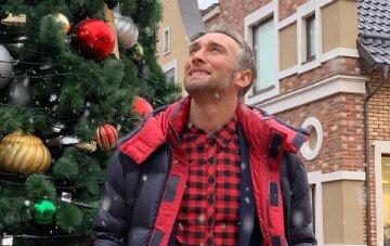 """Промокший """"Холостяк"""" Макацария ошеломил мужским поступком на морозе: """"Даже смотреть холодно"""""""
