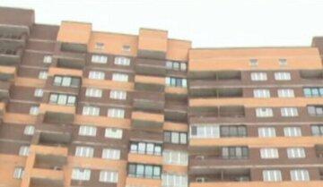 Неразделенная любовь: в Киеве 14-летняя девочка решила свести счеты с жизнь, выпрыгнув из окна