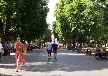 Жара и грозы разорвут Украину пополам: синоптики выдали, где будет хуже всего