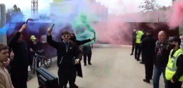 """Люди збунтувалися в Одесі, в хід пішли фаєри, відео: """"Труханов поверни..."""""""