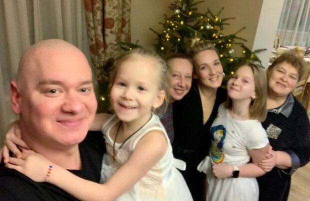 Евгений Кошевой с женой и детьми