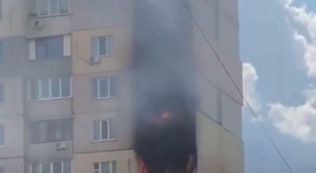 Новое ЧП рядом со взорванной многоэтажкой в Киеве, дом почернел от пламени: кадры и подробности