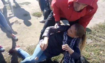 Взбешенные женщины с детьми штурмуют горсовет: началась революция мам
