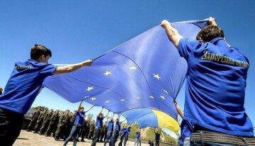 «Поздравляю, соседи»: ЕС присоединяет новые страны в разгар пандемии, что ждет Украину