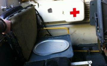 В РФ похвастались техникой будущего, фото: передвижной туалет из танка