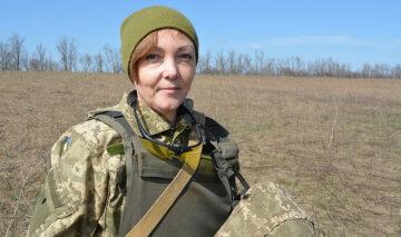 """""""Із бухгалтера - в сапери"""": киянка вже чотири роки знешкоджує міни ворога на Донбасі"""
