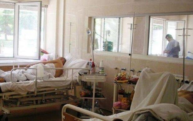 """Одеська лікарня тріщить по швах, місць немає: """"завантажена на 126%"""""""