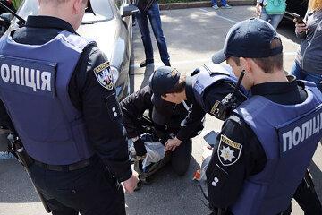 ЧП в Днепре: люди в балаклавах ворвались в отель, избивая людей