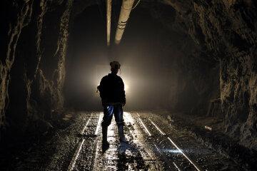 горняк, рудник, пещера, подземелье