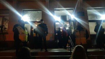 В Одесі студентів порізали біля гуртожитку, постраждалих рятують лікарі: що сталося