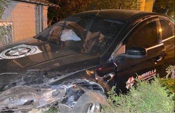 Таксі потрапило в ДТП, водій у всьому звинувачує пасажирку: кадри і подробиці аварії