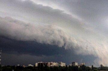 Атмосферний фронт накриє Одещину: синоптики попередили про зміну погоди 26 серпня
