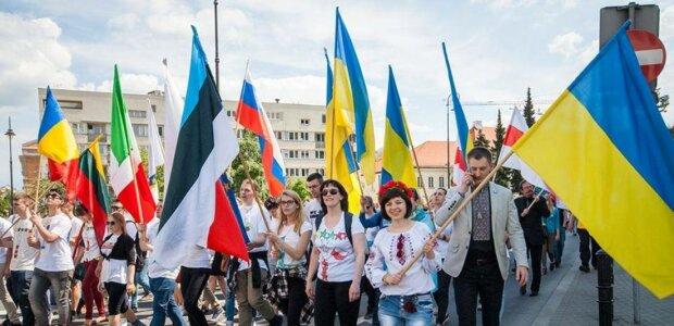 Польша. Марш солидарности с Украиной