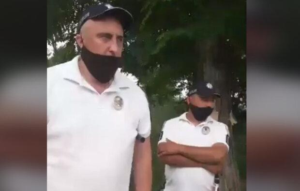 """""""Звичка гаішницька залишилася"""": українські поліцейські вирішили підшабашити на курорті, відео"""