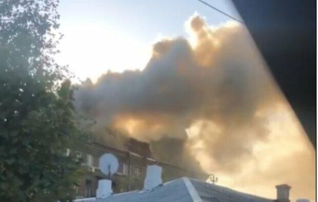 Многоэтажка загорелась в Киеве: известно о загубленной жизни, кадры с места ЧП