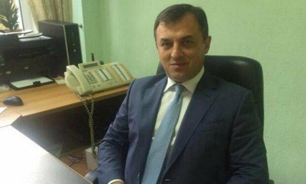 Тарасюк использует должность главы НКРЭКУ для продвижения интересов семейного бизнеса - Волынец