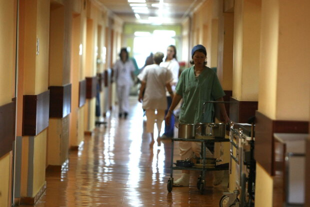 Условиями в детской больнице Харькова поразили сеть: фото, от которых становится дурно