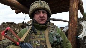 """""""Никогда не отказывал в помощи"""": Украина прощается с бесстрашным воином, вместо свадьбы - венки"""