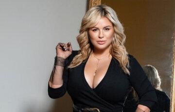 """""""Теперь все увидят от кого у Ани бюст"""": пышнотелая Семенович вызвала фурор семейным снимком"""