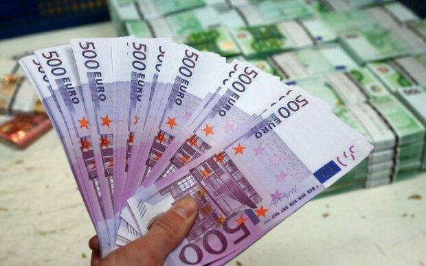 курс валют на 8 мая евро