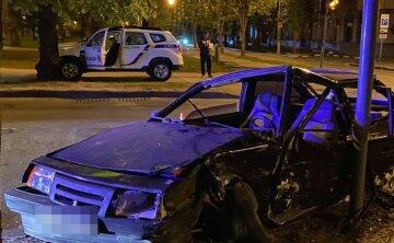 """В Харькове на скорости столкнулись автомобили, есть пострадавшие: """"16 -летняя девушка..."""""""