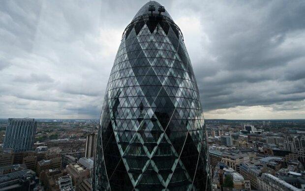Теракт у Лондоні: знаменитий хмарочос евакуювали – фото